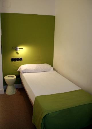 Hostel Santa Ana Colors: the green (single) room