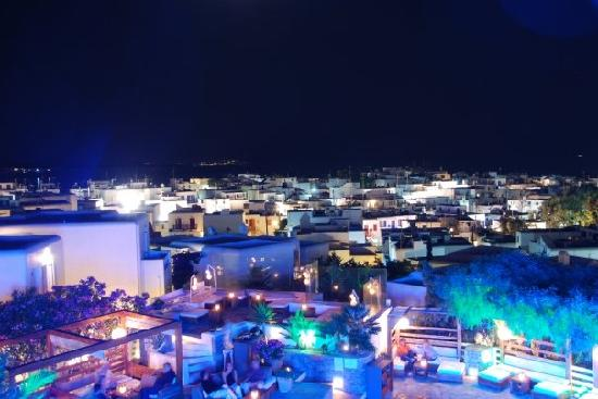Belvedere Mykonos: Nighttime @ the pool (lit for a special wedding)