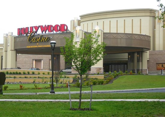 Grantville, Pensilvanya: Hollywood Casino, Penn National Race Track