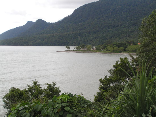 Damai Beach Resort: View of beach from the hilltop