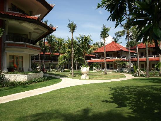 Holiday Inn Resort Baruna Bali: Garden