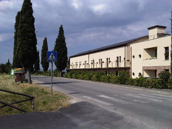 Montaperti Hotel: Vista dell'Albergo