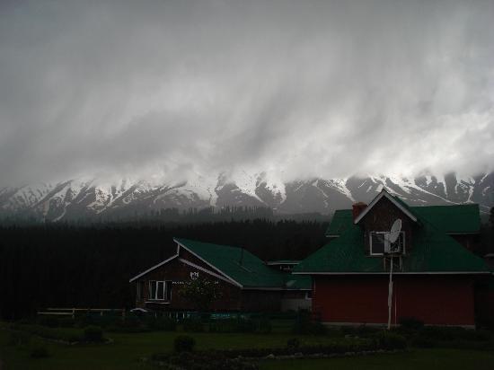 Pahalgam, India: Gulmarg- Kashmir