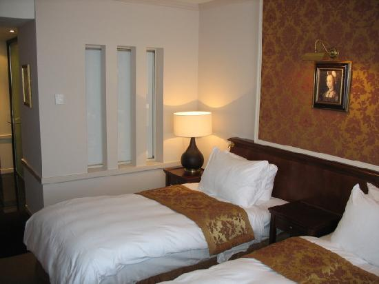 Hotel Dukes' Palace Bruges: Chambre standard