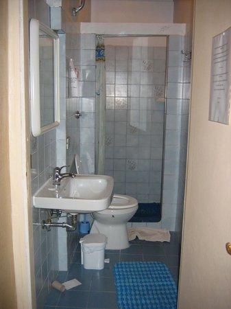 Hotel Boccaccio:                                     bath