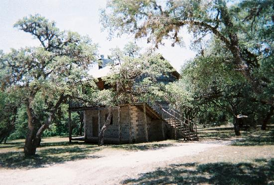 The Lodges at Lost Maples: the Treehouse
