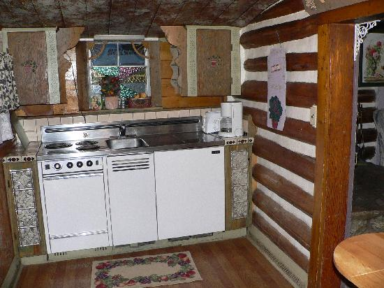 Chinook Lodge & Smokehouse: Kitchen