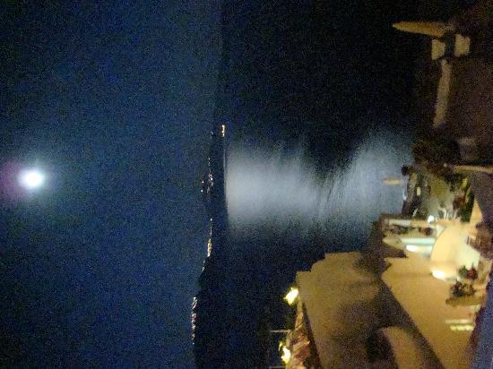 Ifestio Villas: View of the moon from Villa Paride