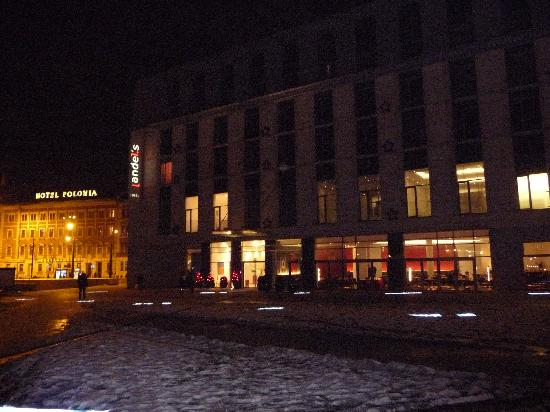 Vienna House Andel's Cracow: Andels by night