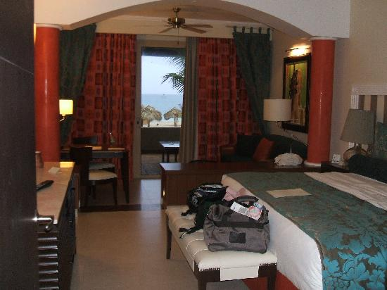 Iberostar Grand Hotel Rose Hall: Ocean Front Room