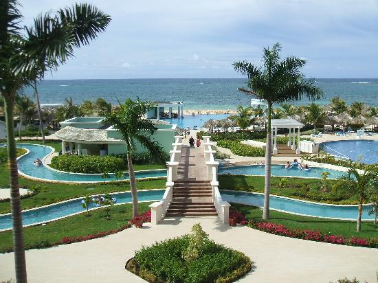 Iberostar Grand Hotel Rose Hall: Lazy River @ the Suites