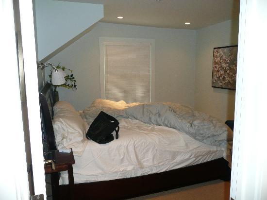 Auberge Sonoma: bedroom 2 (right before we left)