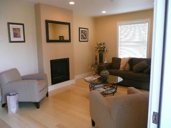 Auberge Sonoma: living room