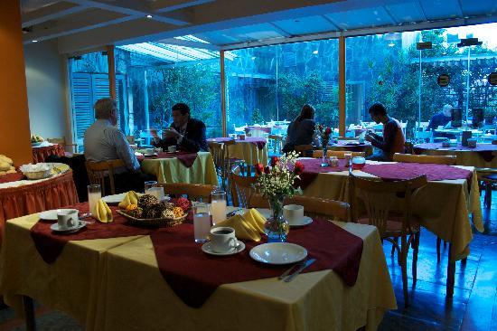 Bauen Suite Hotel: Restaurant