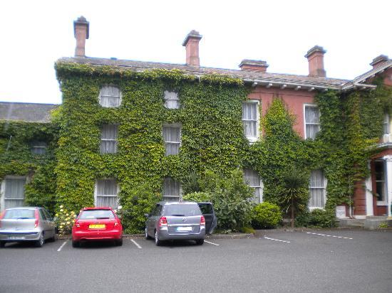 Ντροχέντα, Ιρλανδία: front of hotel