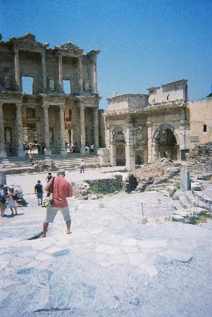 Parkim Ayaz Hotel: Celsus library, Ephesus