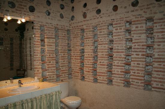 Le Clos Bigot: Extraordinaire salle de bain dans un ancien pigeonnier