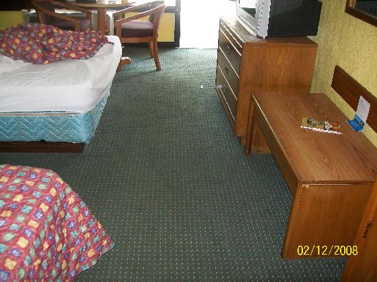 Days Inn Port Royal Near Parris Island: floors