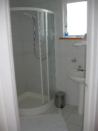 Cornerville B&B: The bathroom