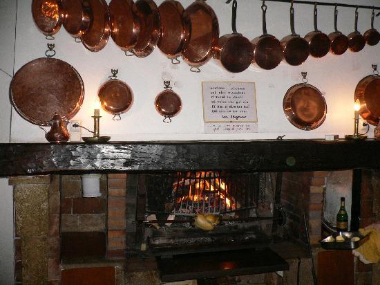 """Auberge des Seigneurs et du Lion d'Or: """"Spit roast chicken"""""""