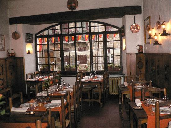 Auberge des Seigneurs et du Lion d'Or: Elegant restaurant