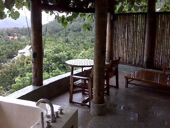 Laem Set, Thailand: Outside area of hillside seaview room