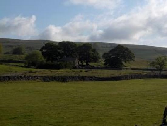 Ravenstonedale, UK: Countryside walks out the front door