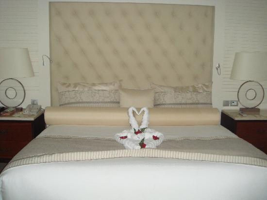 Iberostar Grand Hotel Bavaro: Our bed - made up daily