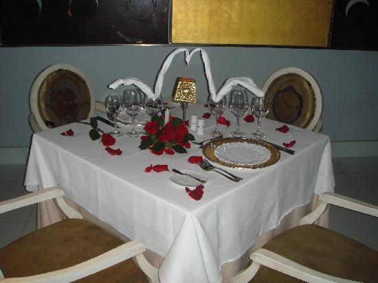 Iberostar Grand Hotel Bavaro: Romantic dinner setting