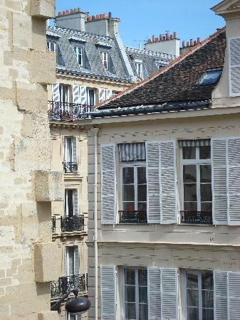 Hotel de l'Abbaye Saint-Germain: View from our room overlooking the rooftops of Paris