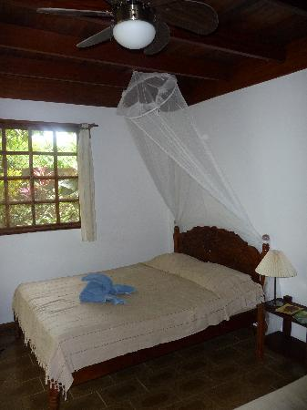 Hotel Pura Vida: Double room (with two double beds)