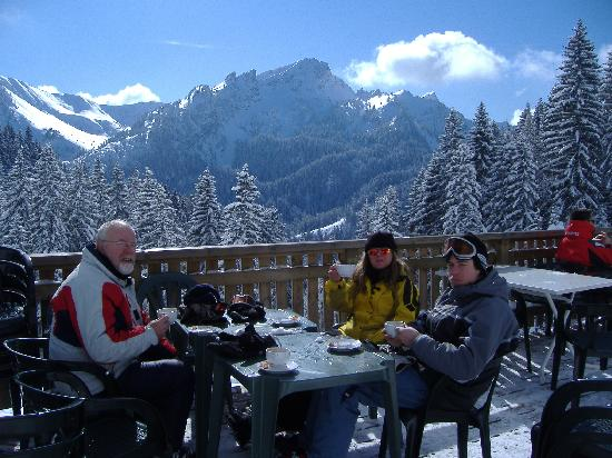 La Vieille Ferme de la Moussiere: A relaxing break on the local slopes!
