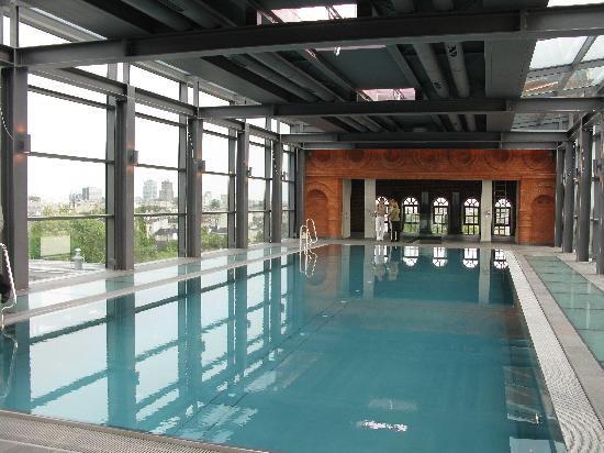 andel's by Vienna House Lodz: roof top pool