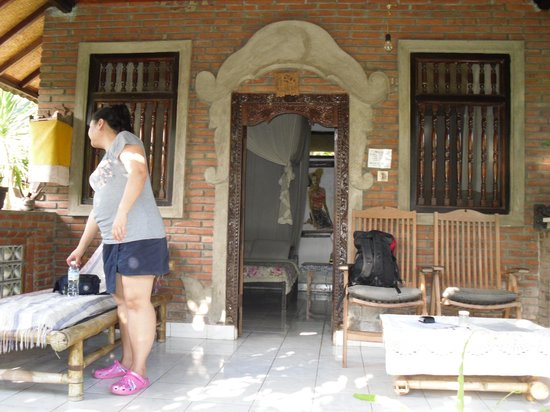 Citrus Tree Villas - Shana : Lazy lounging breakfast just outside our room