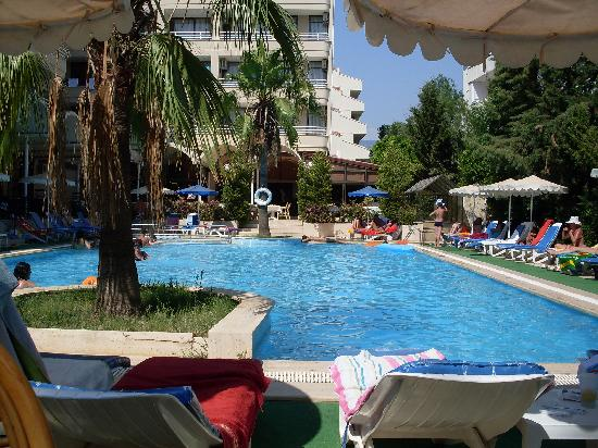 Kayamaris Hotel: pool
