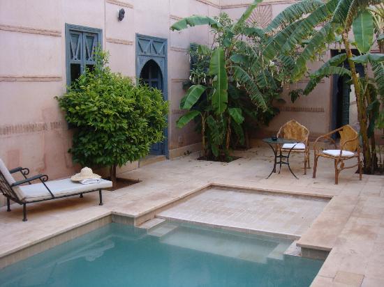 Les Deux Tours : suite with private pool