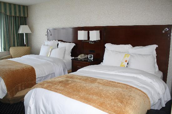 Detroit Marriott Livonia: Bedroom