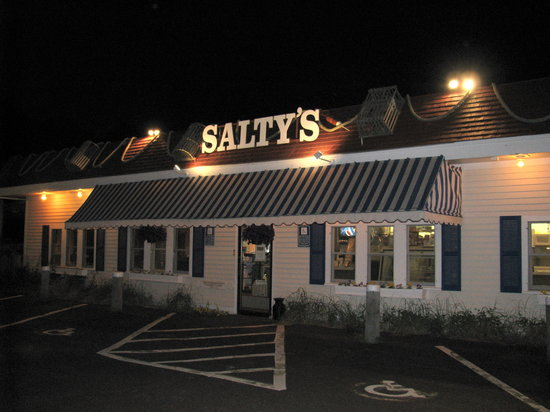 Yarmouth Port, MA: Salty's Restaurant 6/8/09