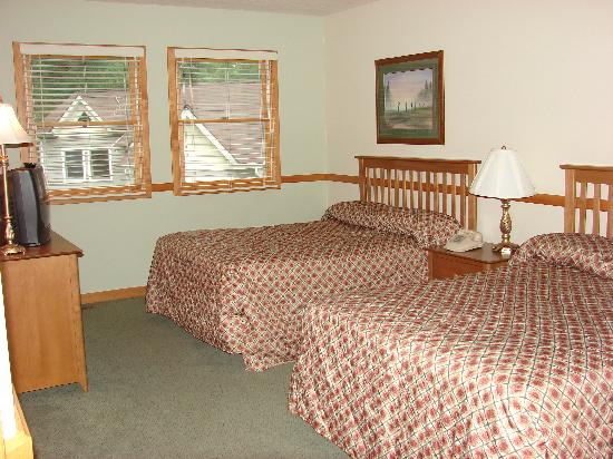 Ridge Top Village at Shawnee: Second bedroom