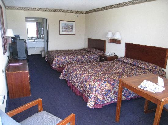 Regency Inn & Suites: Das Zimmer