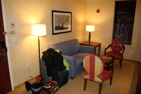 Courtyard by Marriott Boston Copley Square: A spacious second room.