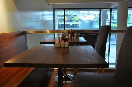 LUXX: Breakfast area