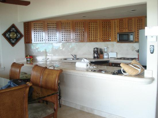 Villas del Mar 2: kitchen