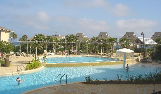 Beach Resort: View of Pool and sundeck from balcony