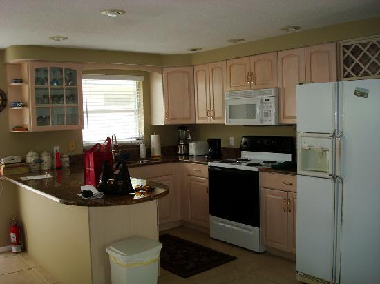 Harrington House Beachfront Bed & Breakfast: Kitchen
