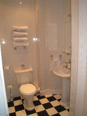 Abercorn Guest House: Bath at Abercorn