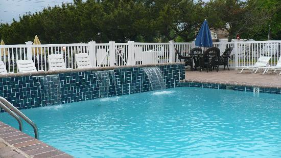 Madison Avenue Beach Club Motel: the pool