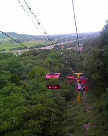 Guntown Mountain : The skylift is gorgeous!