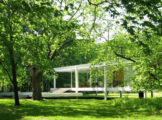 First view of Farnsworth House