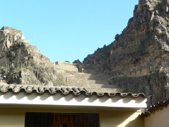 K'uychi Punku Hostal: Ollantaytambo ruins